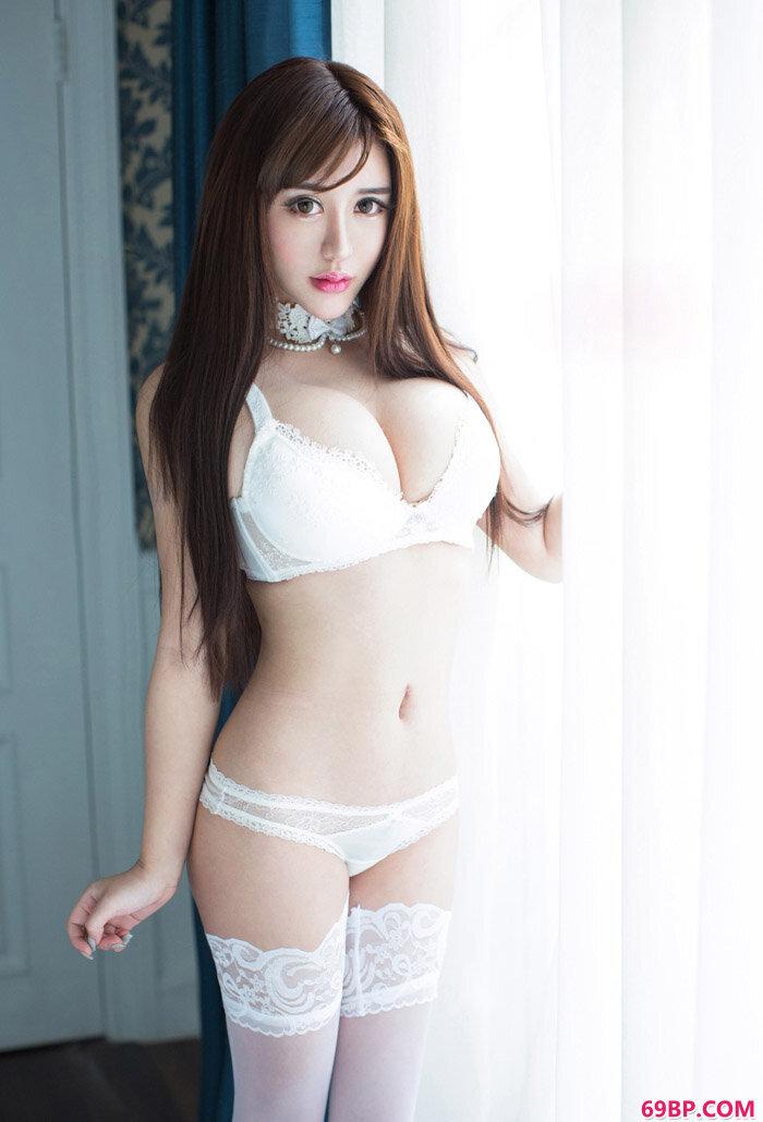 尤女郎性感美人美熙白色情欲摄影_缓交女150p