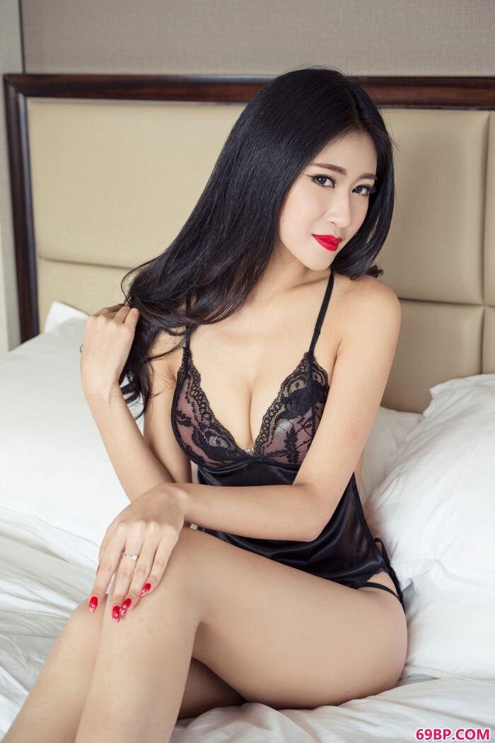 人妻张蓝欣艺术写照妩媚眼神令人销魂_少妇大p