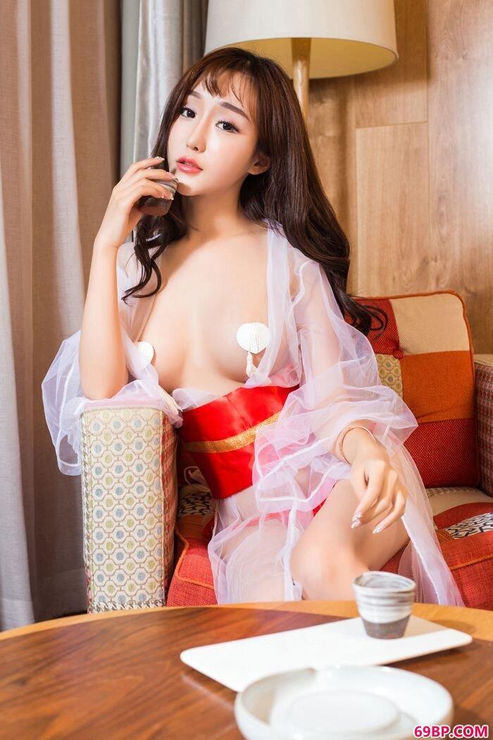 绝品小护士米粒mm写真照内衣很抢眼_GOGO正版中国人体
