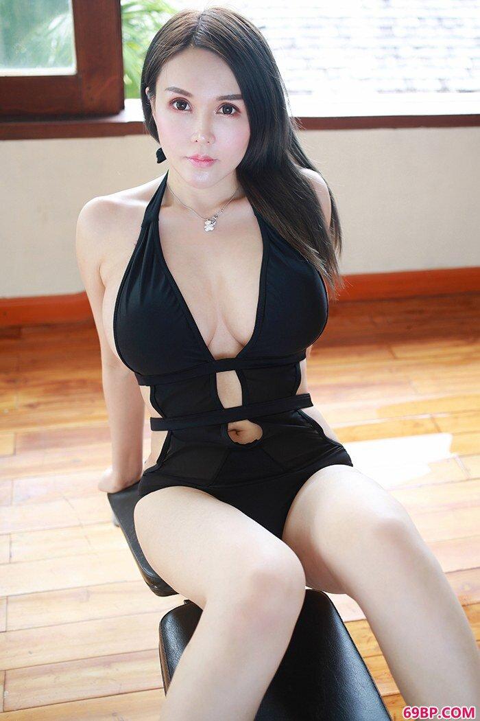 热辣女神沈蜜桃泳装美丽胸器逼人_西西人体蜜桃社大白屁股美女