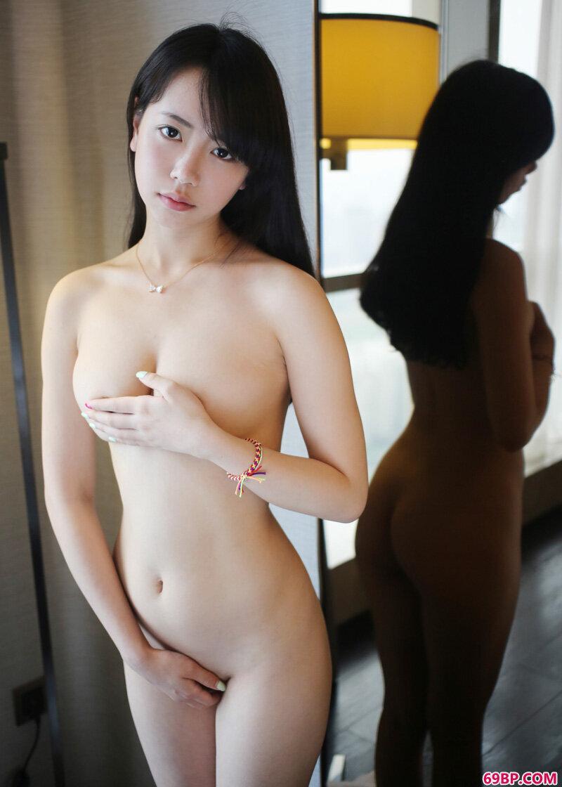 魅惑妹子徐小宝绝色诱惑图片_gogo人体孕妇写真