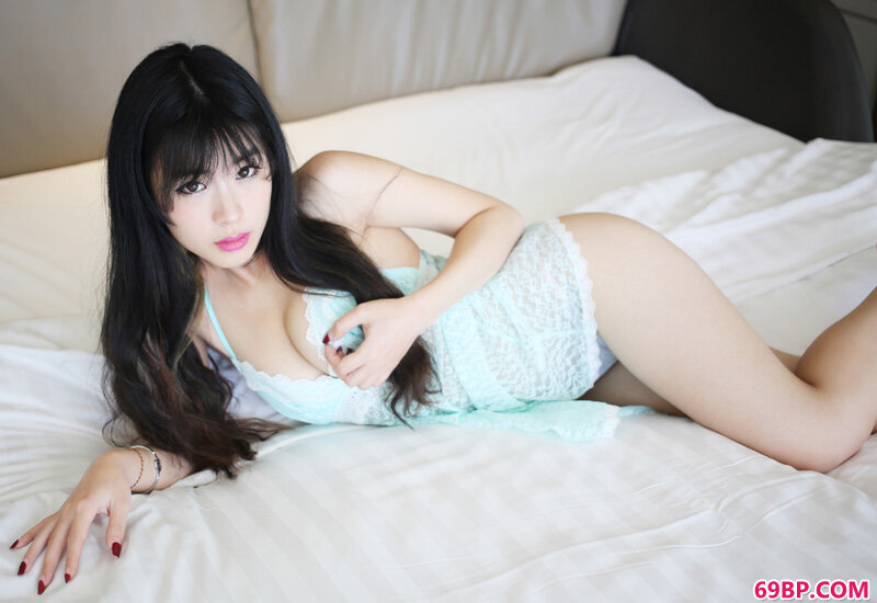 时尚长腿正妹刘雪妮绝对诱惑_超大尺度裸体艺术