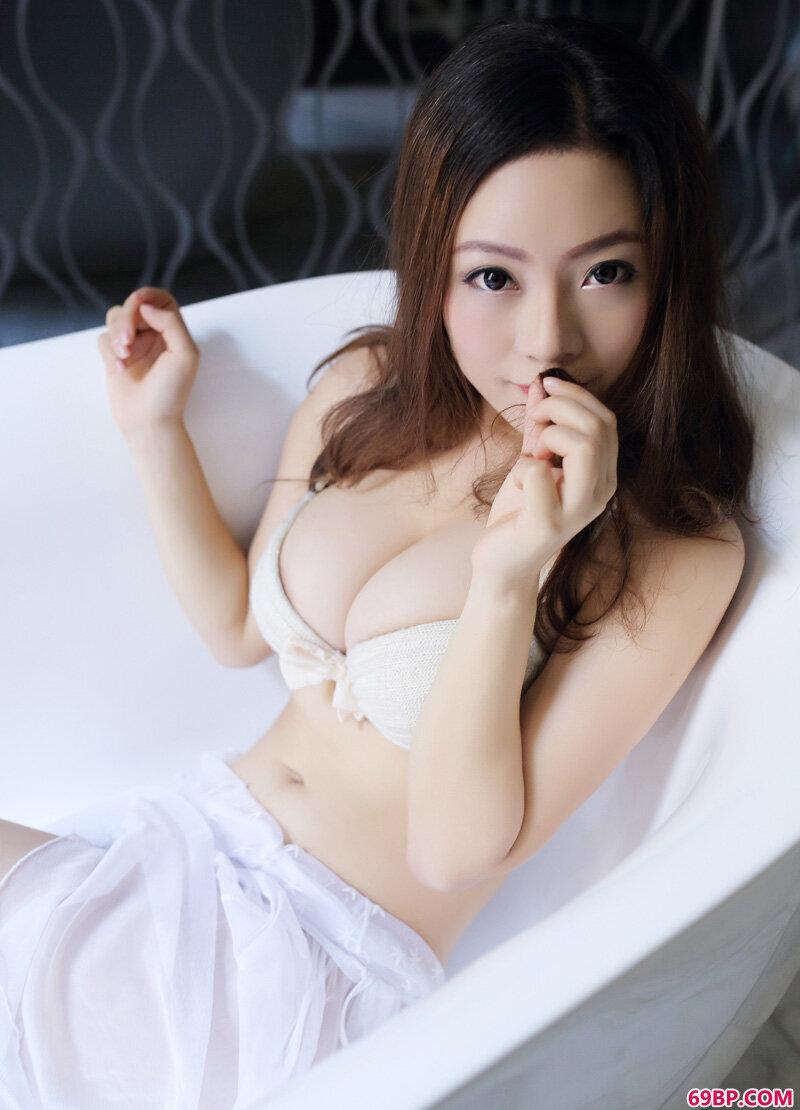 可爱卓琳妹妹绝美萌拍_gogo人体大胆艺术模特