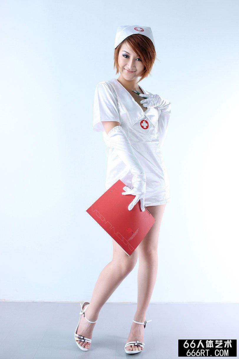 美模小魔女09年8月29日室拍小护士主题
