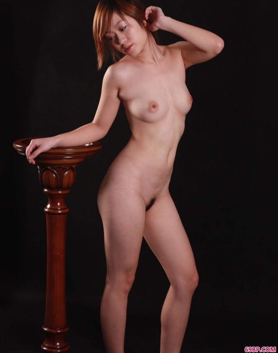 女人体模特_名模静静图片棚里的撩人美体