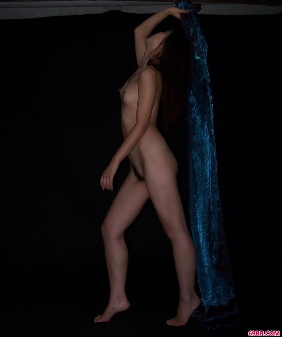 名模佳音写真棚里的风骚人体1,中国熟女熟女中国人体艺术