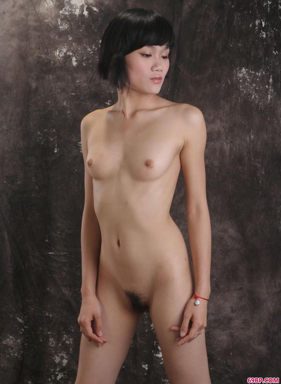 裸模紫络室拍娇嫩人体