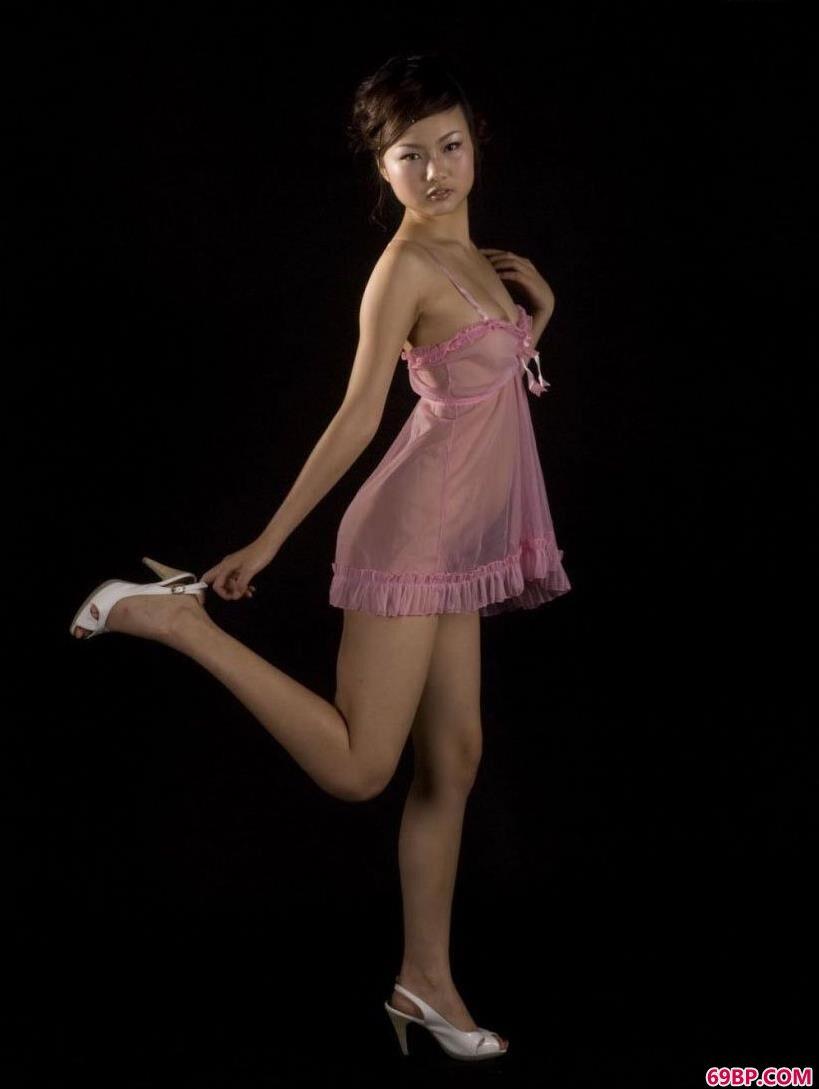 chinese中国女人和_百变造型人体裸模芊芊