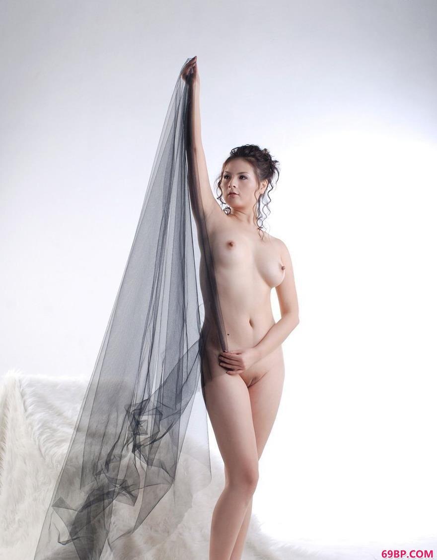 女性艺术照片_波普娃娃黑纱遮掩2