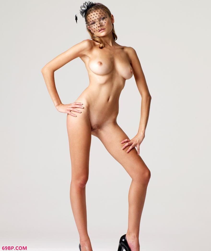 蒙面女郎希拉瑞莉室拍艺术人体