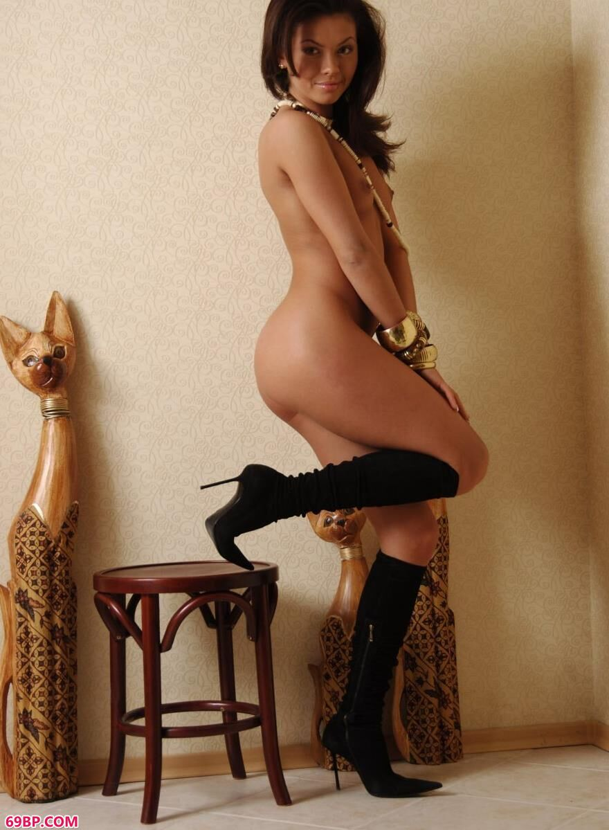 外国人体名模高跟美靴6,沐子熙销魂人体艺术体写真