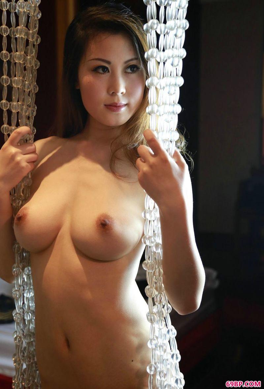 美艳而丰腴的超模冰莲,gogo波普娃娃人体