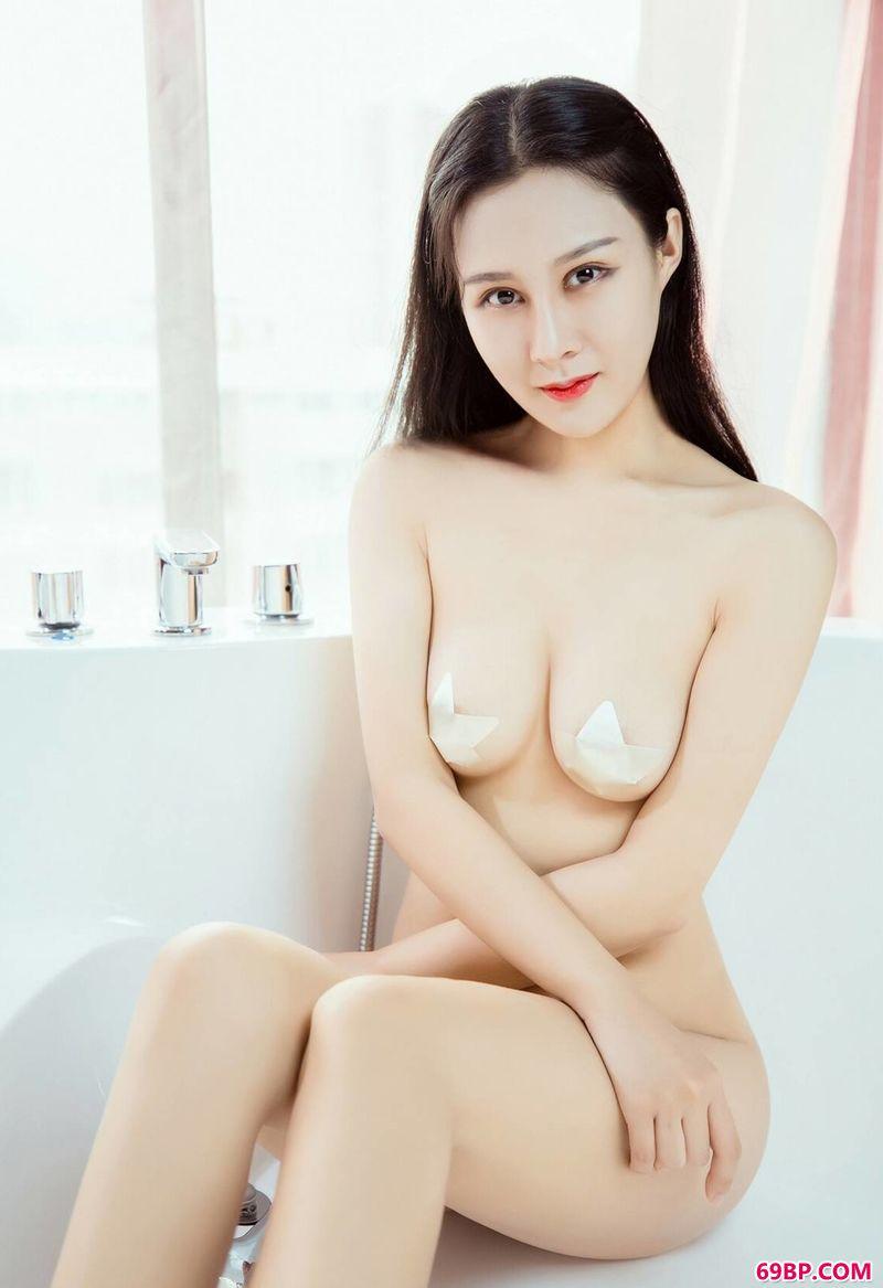 裸模紫怡绝美艺术人体摄影_熊吖bob最新图片
